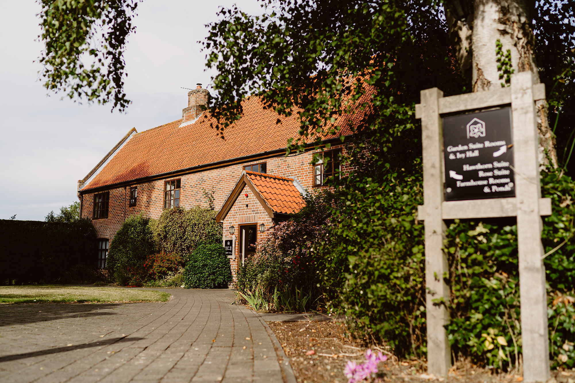 Ivy House Country Hotel Front Entrance and Driveway