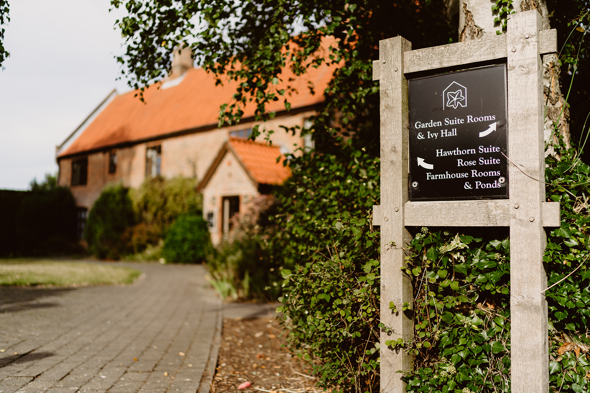 Ivy House Country Hotel Sign With Venue Navigation Instructions
